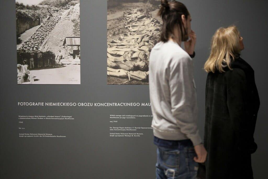 naklejki-wystawowe-oklejanie-wystaw (2)